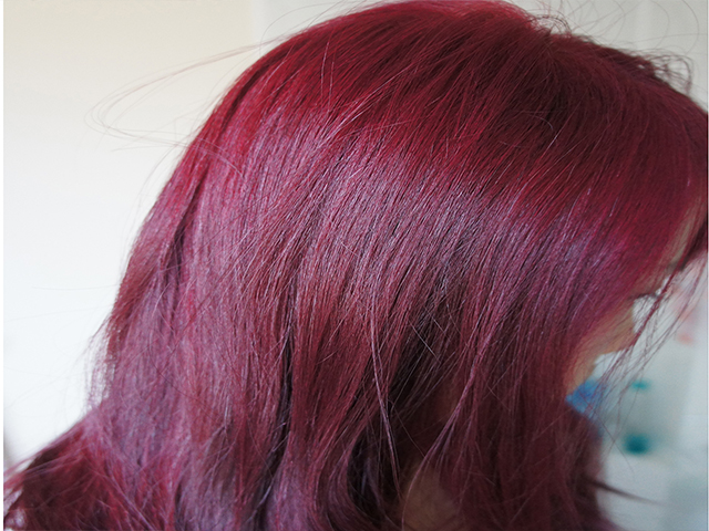 Red-Henna-Hair-Color-With-Natural-Herbs